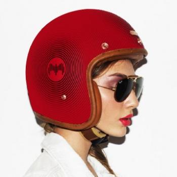 helmet_woman